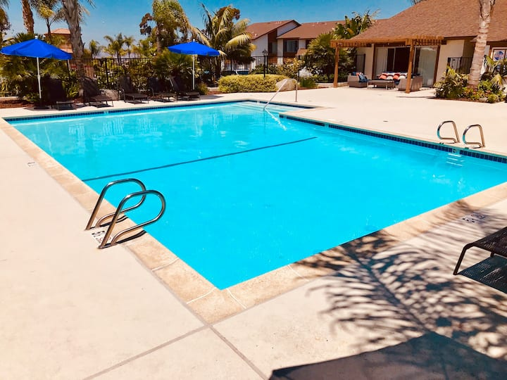 SoCal Beach Pad. 15 minutes from Downtown&Gaslamp!