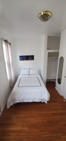 Cozy Room Excellent Location to NYC in Minutes