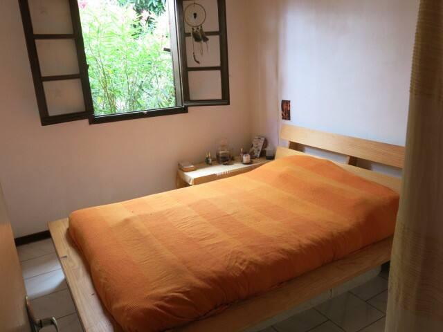 chambre dans maison colorée avec jardin et vue mer - Saint-Leu - Dom