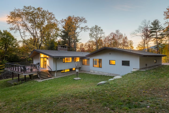 Secluded, Modern Ski House - Great Location!