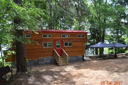 Tiny Home with boat dock on Lake Tyler East - Tyler - 통나무집