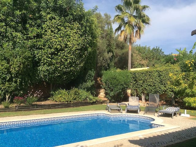 Algarve - Golden Triangle 3 bedroom villa - Almancil - Vila