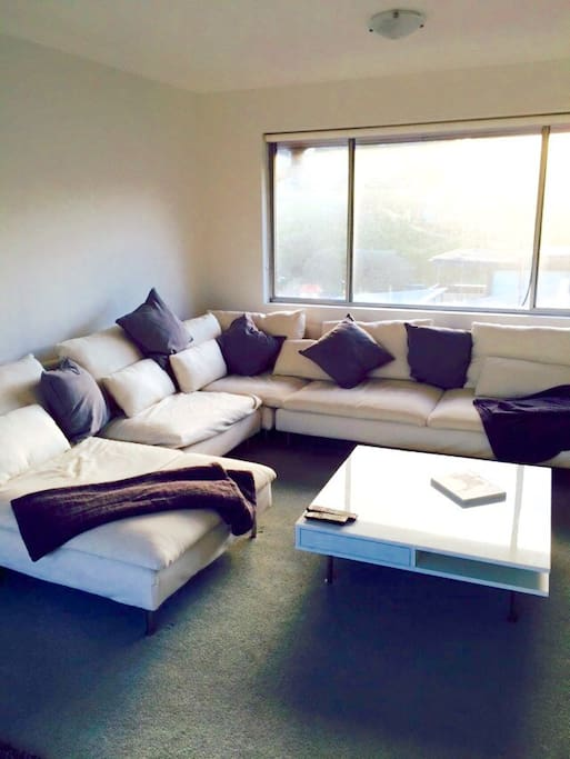Living area - A very comfortable lounge!