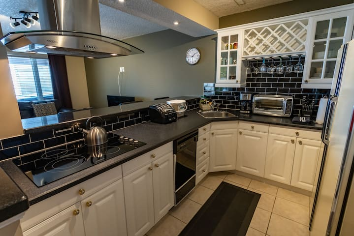 Full kitchen. Cook in and save!
