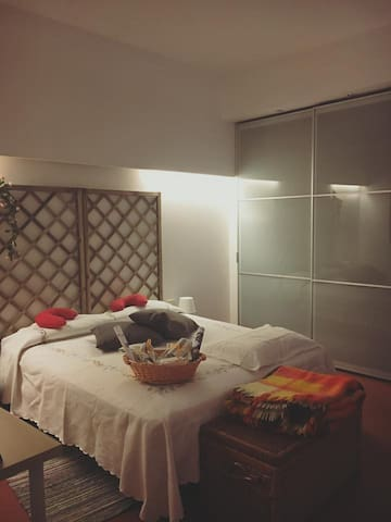 Double with pvt bathroom in attic near city center - Firenze - Lejlighed