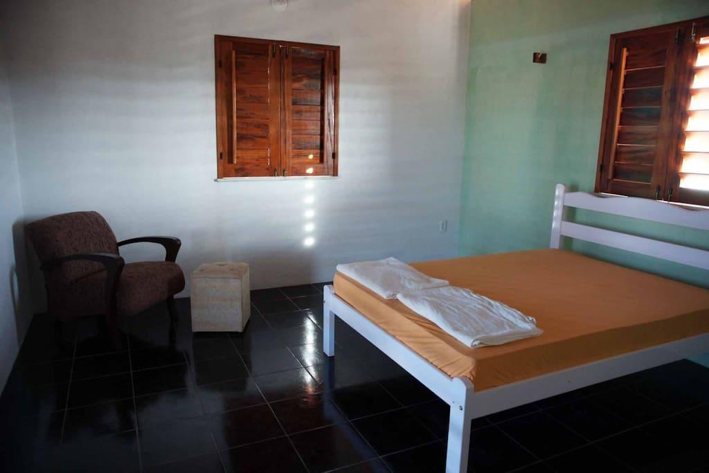 Grosses Zimmer im oberem Stock mit grossem Balkon, Dusche und WC