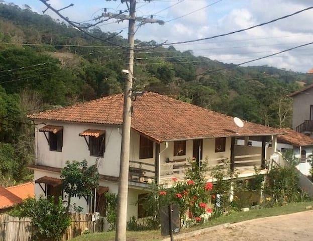 Casa super aconchegante no centro de Ibitipoca