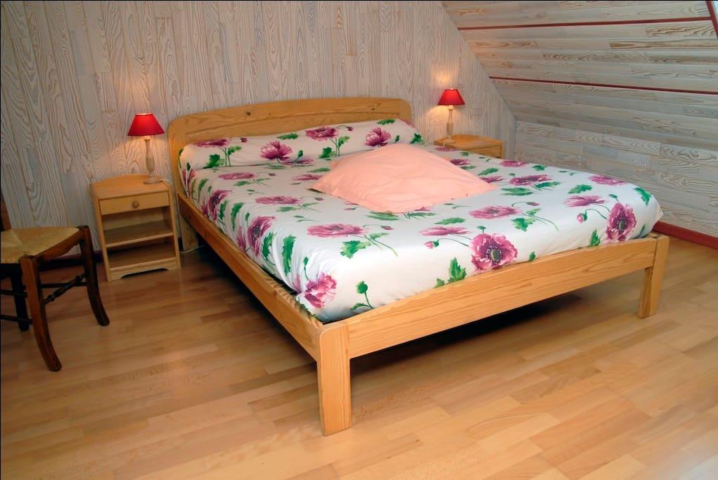 Chambre 1 avec 1 lit de 160*200