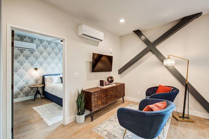 STUART | 2 Bedroom 1 Bath with Full Kitchen