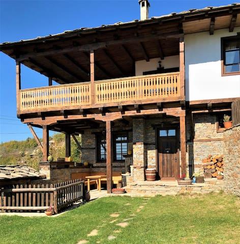 Little Bird Guesthouse 1 - Big Luxury Villa