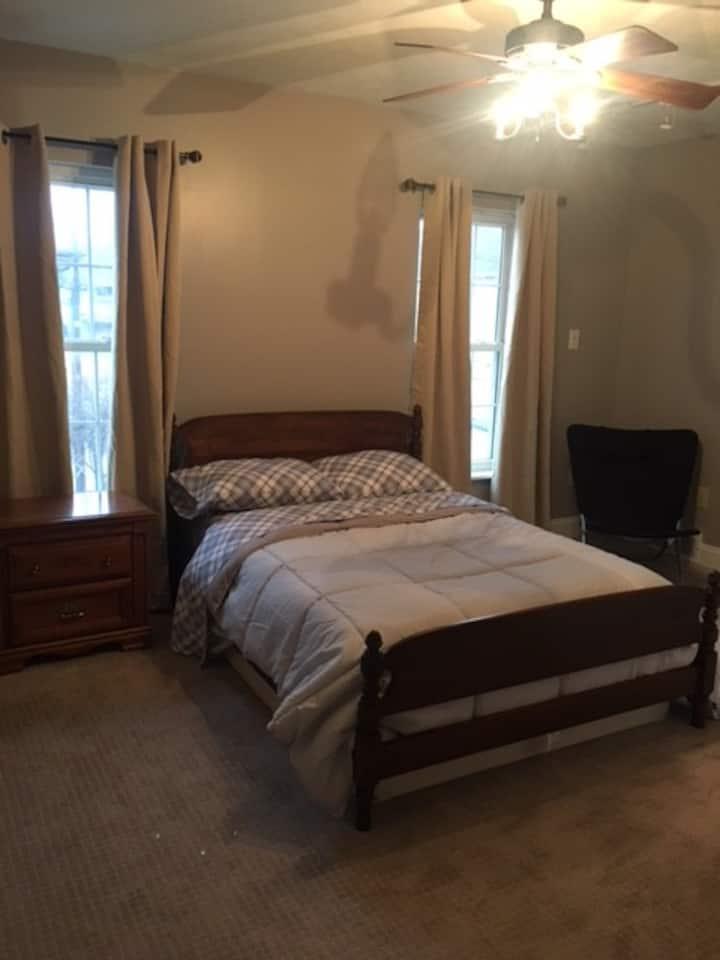 Monaca Home Room 1 (3 Miles from Cracker Plant)