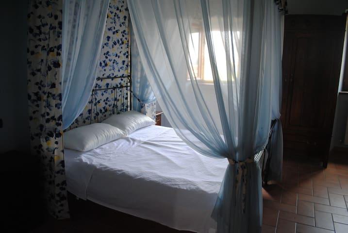 """16th Century C.H. """"Elisabetta"""" - Percozzone - Apartment"""
