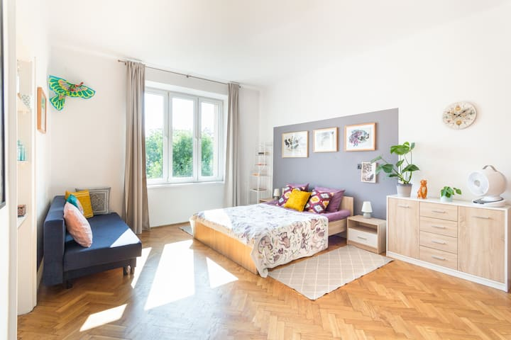 Magnificent 2 bedroom, Heart of Old Jewish-Quarter