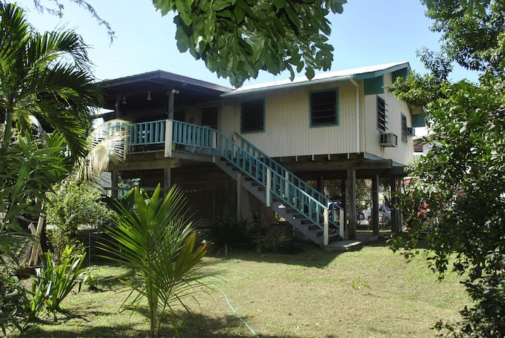 Spacious 2 BR with private balcony - Culebra - House