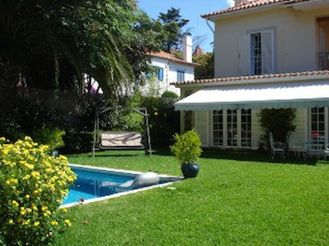 Charming  bedroom & swimming pool - Cascais - Bed & Breakfast