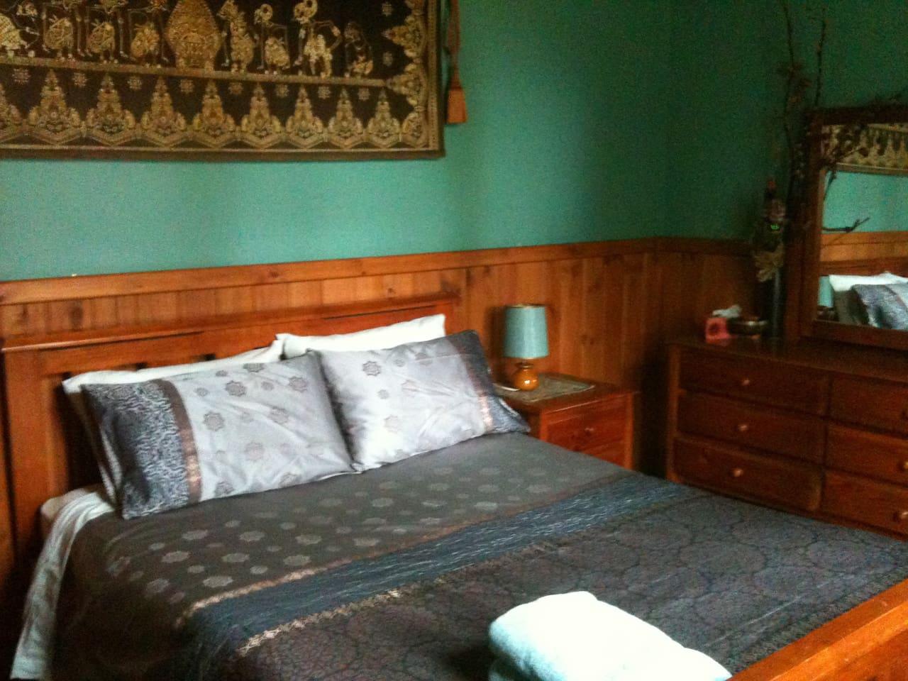2 queen rooms