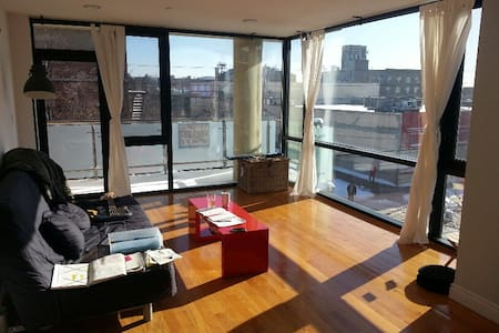 Cool New 2br Apt - 1block from L&M
