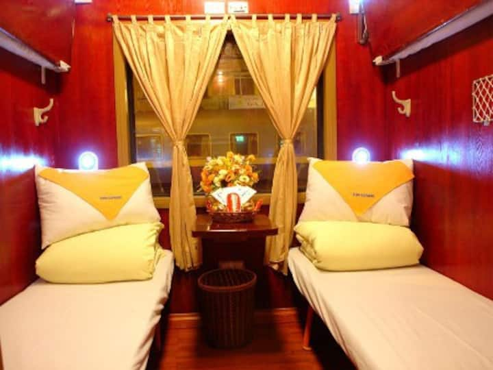 Deluxe cabin on train to Sapa