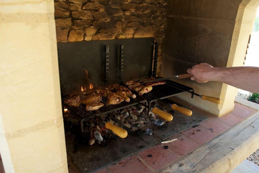 Le grand barbecue du Pool-House