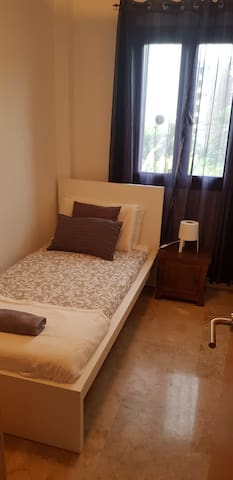 SINGLE ROOM 5MIN YUMBO PLAYA DEL INGLES AIRCONWIFI