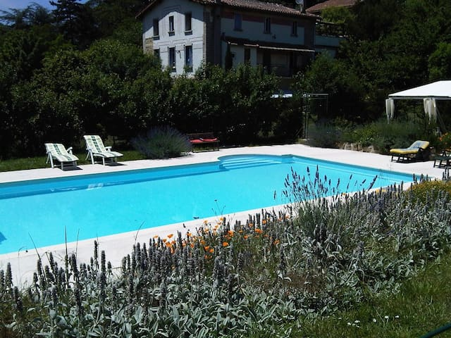 Large self catering house and pool - Lanet