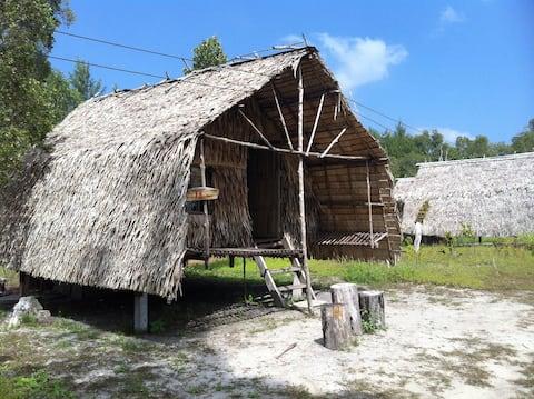 Cabane en bambou, belle et paisible est.