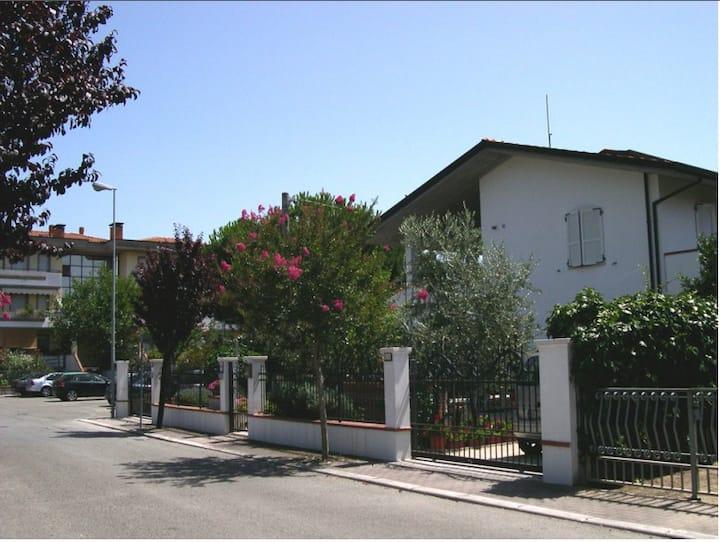 Villa elegante con terrazzo