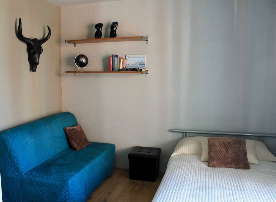 The same room, with sofa bed for 2 persons :)