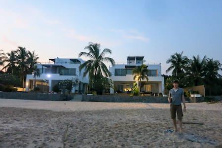 Ultimate secluded beachfront luxury - Hua Hin - Villa