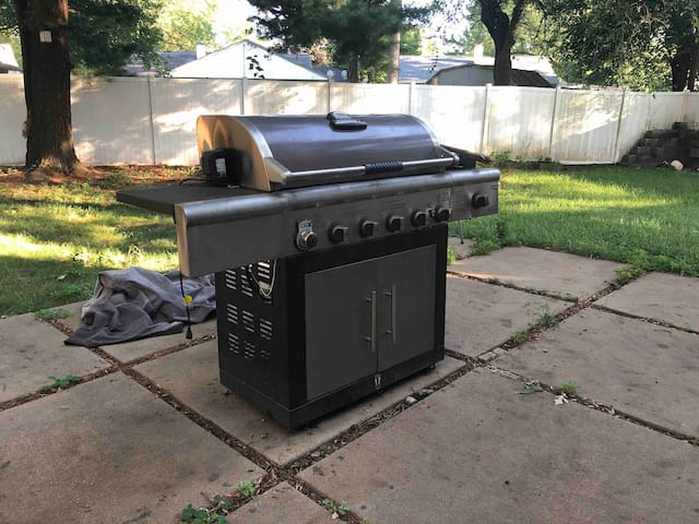Gas grill for you to use