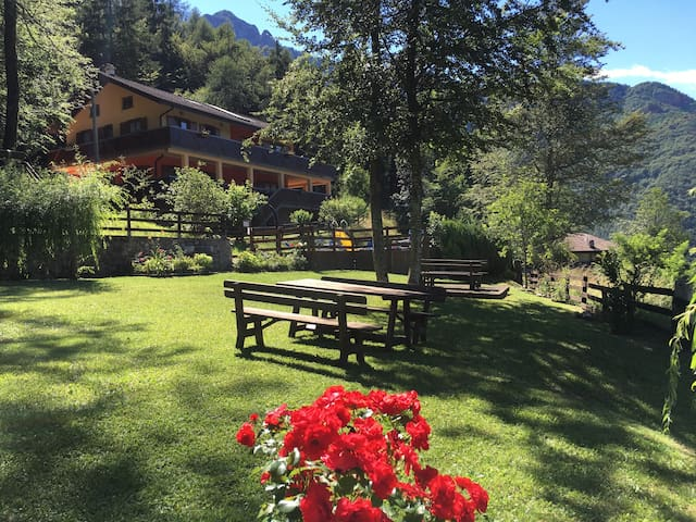 An explosion of peace and relax on the Lake Ledro - Ledro - Apartment