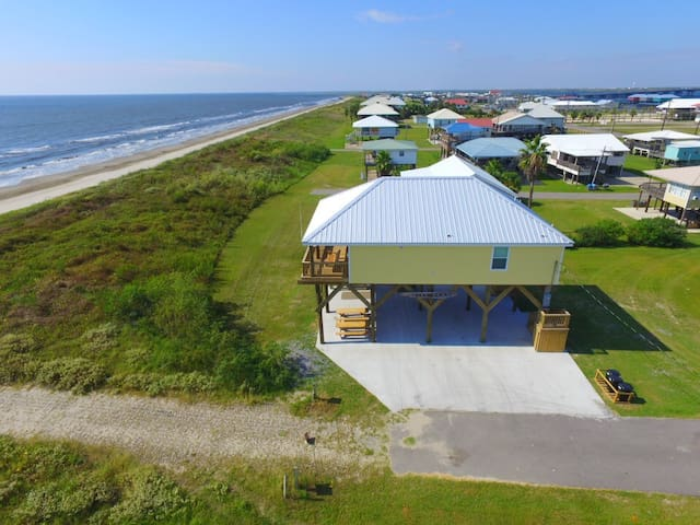 Beachfront in Grand Isle - Wine Down is a New 4 br