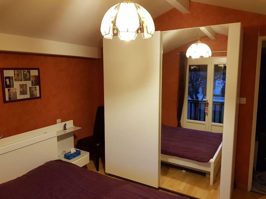chambre avec salle de bain priv e mont de marsan maisons louer mont de marsan nouvelle. Black Bedroom Furniture Sets. Home Design Ideas