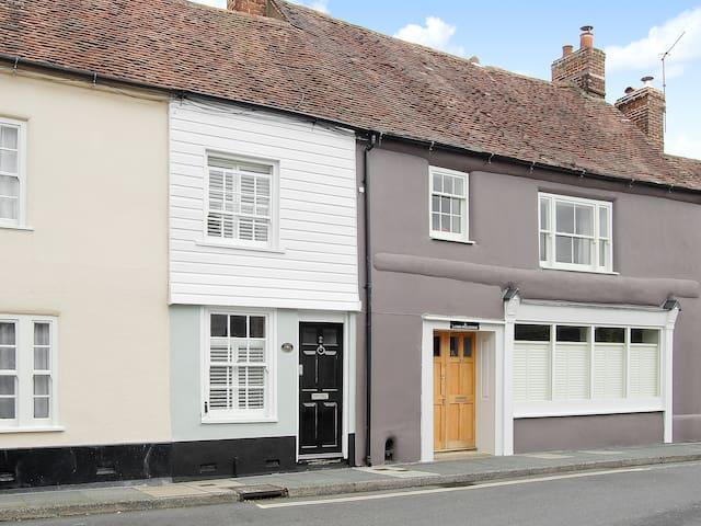 Chalk Cottage (PUUK)