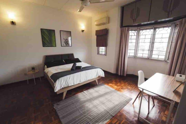 Comfy En-suite ☆ Bandar Utama, Petaling Jaya | MRT