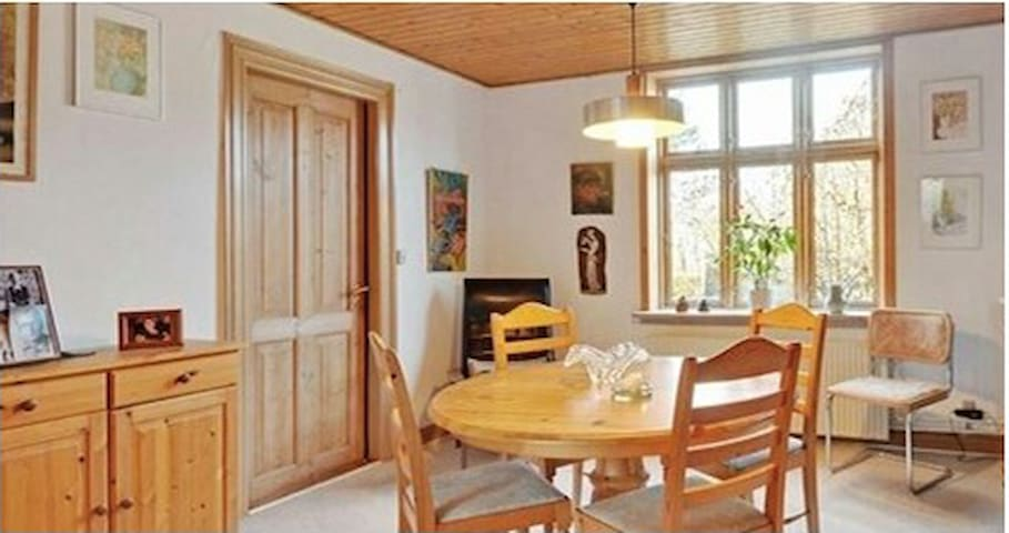 Cozy House close to city, beach and work - Struer - Hus