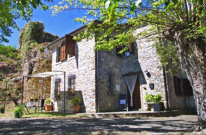 Casa Livia in old borgo of Lunigiana, Tuscany