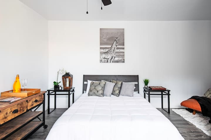 Queen bed gel infused memory foam mattress.