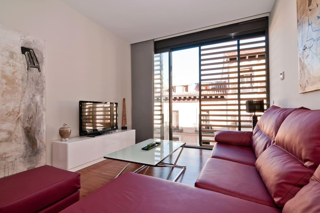 Salon con vistas calle Fuencarral