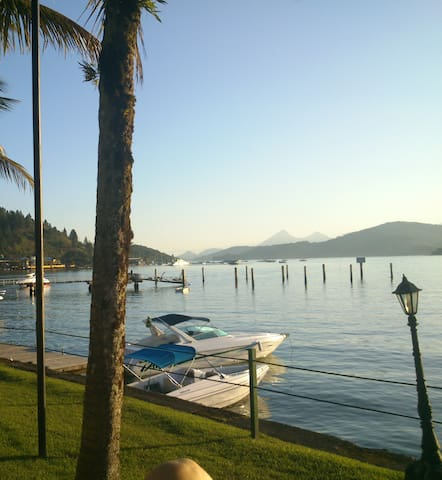 Best suites Homestay Angra  RED ONE - Angra dos Reis - Cabane
