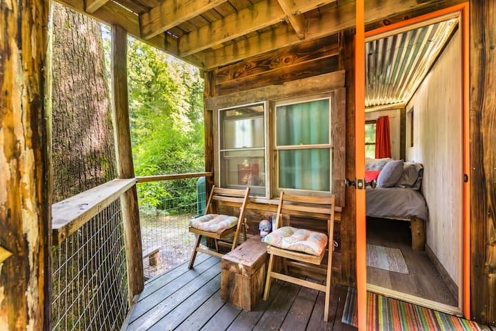 Kaluna Hemp Retreat Treehouse
