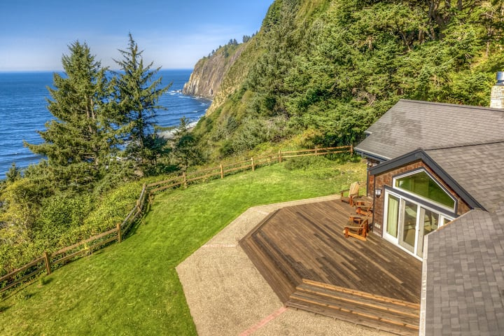 Oceanfront with exceptional sea views - whale-watch & bird-watch!