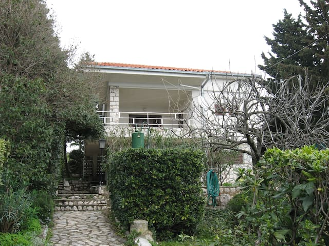 Beautiful house for perfect holiday - Novi Vinodolski - Ev