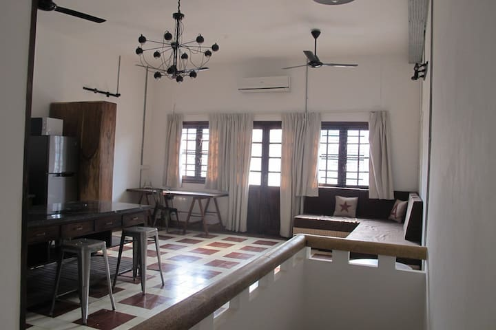 Great Colonial apartment in the heart of phnompenh