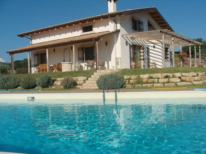 Apartment in villa with swimming pool