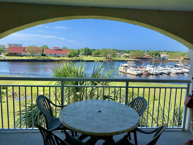 New Listing: Family and Golfers on the inter-coastal at Barefoot Resort