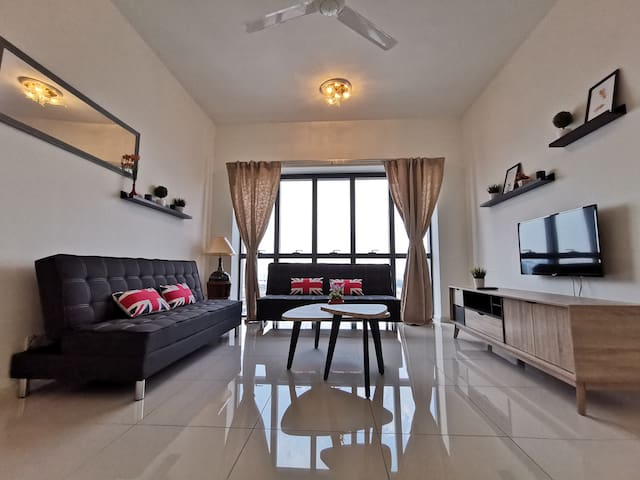 Spacious Homey fit up to 12pax near Sunway PJ KL