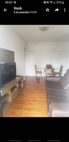 Bom apartamento em JF, espaçoso e perto do centro.