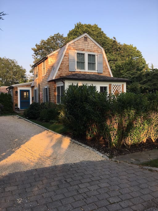Pristine Southampton village house on lovely tree lined street