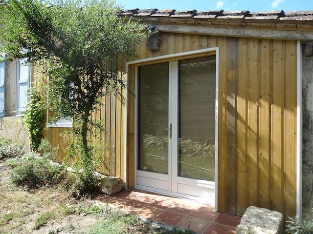 Studio de charme dans corps de ferme avec lac - Saint-Colomb-de-Lauzun - Appartement